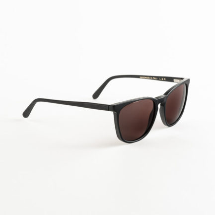 LGR_NAIROBI_BLACK_MATT_POLARIZED_VERMILLON_SIDE